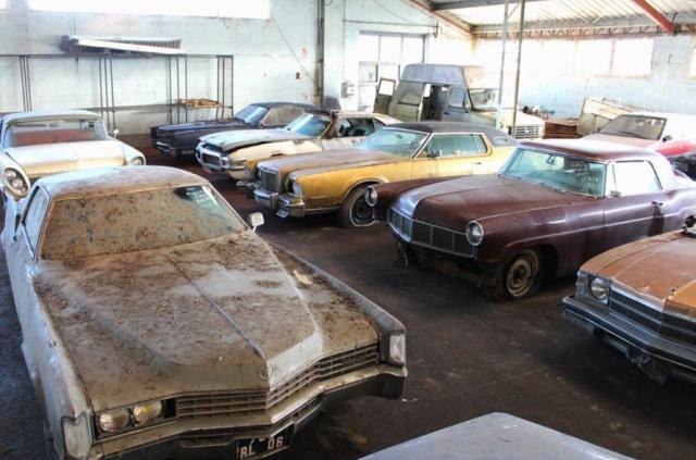 Заброшенный склад раритетных автомобилей во Франции Франция, Раритет, Авто, Длиннопост