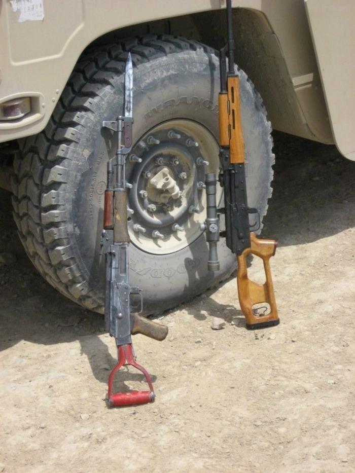 Как сделать автомат Калашникова из садовой лопаты Оружие, Автомат Калашникова, Своими руками, Длиннопост, Как это сделано