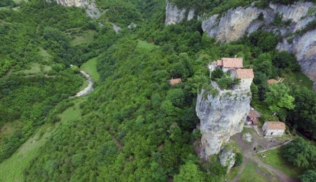 Кацхийский столп Кацхийский столп, Грузия, Монах, Церковь, Длиннопост