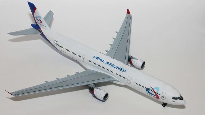 Пластиковая модель самолета Airbus 330 фирмы Revell 1/144 A330, Airbus, Revell, Самолет, Модели, Масштабная модель, Уральские авиалинии, Пластиковая модель, Длиннопост