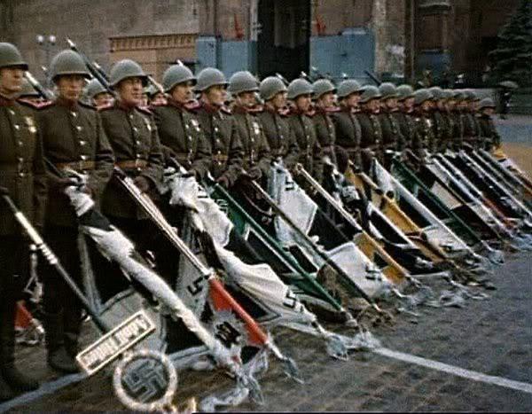 Немецкие знамёна на параде победы. Трофейный батальон. А был ли триколор? История, Великая Отечественная война, Чтобы помнили, Длиннопост