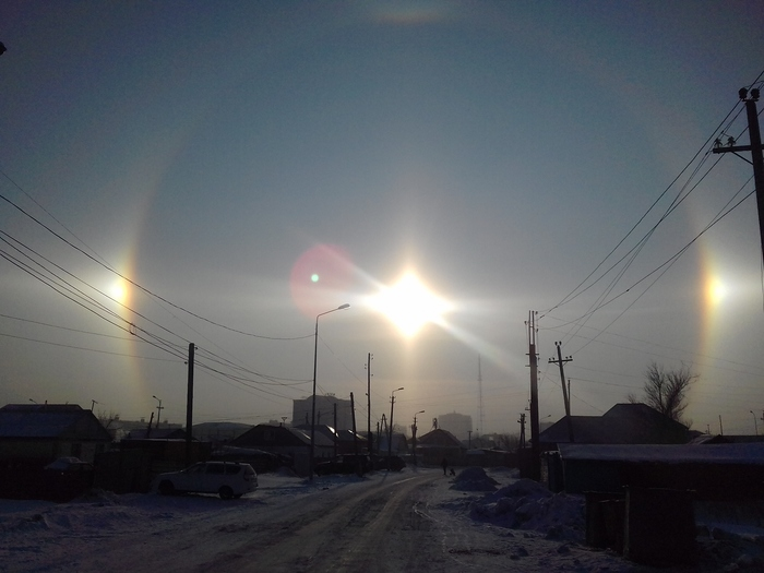 """Три солнца"" над Астаной Гало, Астана, Солнце"
