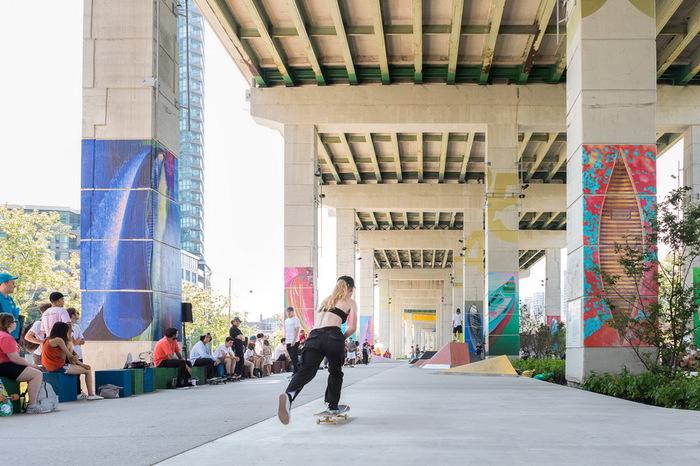 Как выглядит «жизнь под автострадой» в Торонто Канада, Торонто, Парк, Автострада, Длиннопост