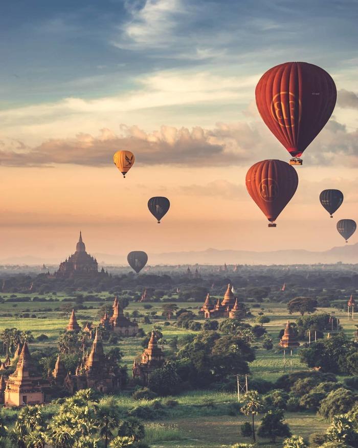 Воздушные шары над Бирмой Мьянма, Бирма, Баган, Полет на воздушном шаре, Фотография