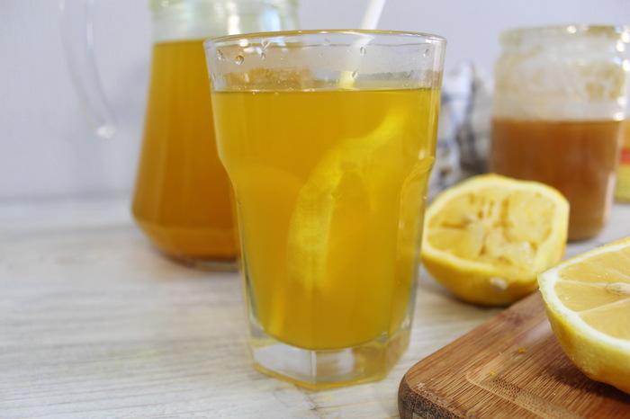 Имбирный напиток с лимоном, медом и куркумой Видео рецепт, Напитки, Чай, Имбирь, Лимон, Имбирный чай, Кулинария, Еда, Видео, Длиннопост