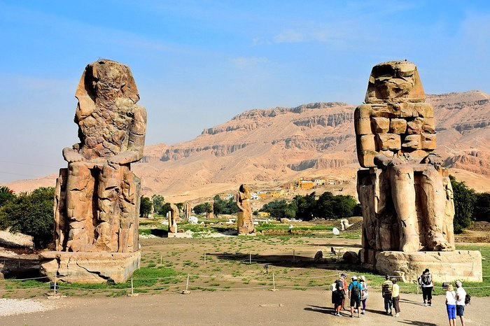 """Колоссы Мемнона в Египте. Статуя, которая """"стонала"""" на рассвете Египет, Интересное, История, Древний мир, Древний Египет, Длиннопост"""