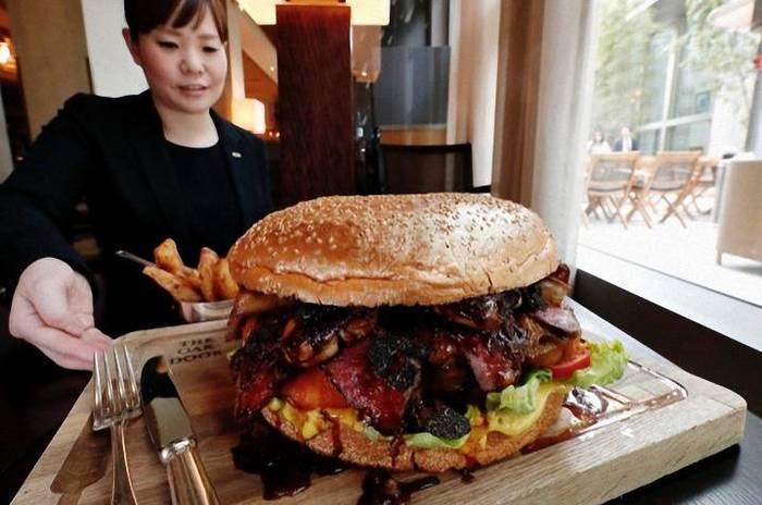 Вот вам бургер за $900, кушайте! Еда, Бургер