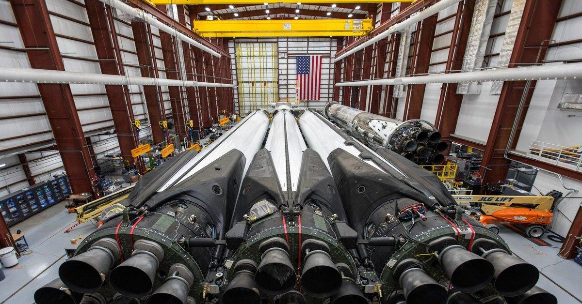 spacex falcon heavy rocket - HD1200×806