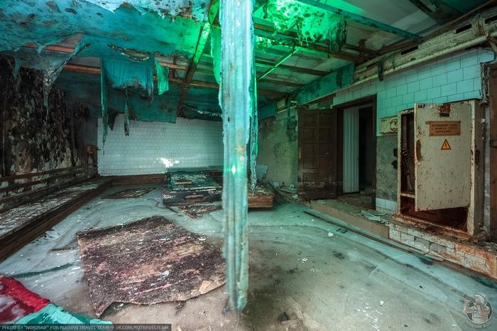 """""""Бомбоубежище с бильярдом"""" или как выглядит простоявшая несколько лет под водой сауна? Бомбоубежище, Сауна, Бильярд, Длиннопост"""