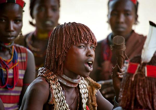 Хамеры: за что мужчины племени бьют своих женщин Хамеры, Племена, Экватор, Африканские племена, Традиции, Длиннопост, Африка, Яндекс Дзен