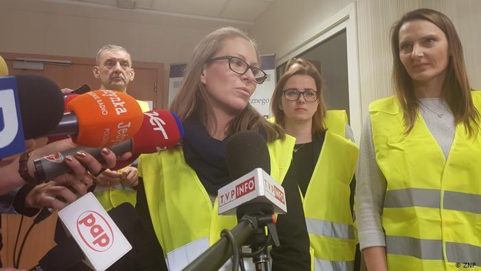 400 000 польских учителей не выходят на работу Новости, Польша, Забастовка, Учитель, Школа, Зарплата, Правительство, Негатив