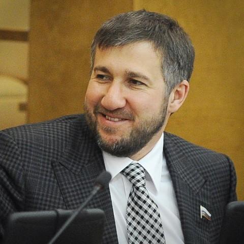 Самый богатый депутат Госдумы заработал 2,3 млрд рублей Депутаты, Деньги, Россия