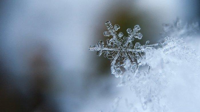 Создан энергогенератор, высасывающий электричество из снежинок Наука, Снег