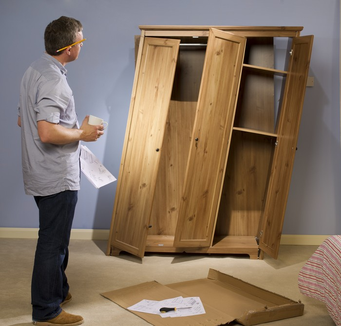 Первый опыт изготовления мебели