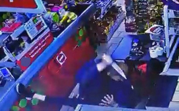 В Тульской области мужчина зарезал кассира из Узбекистана на рабочем месте Убийство, Негатив, Тула, Узбекистан, Пятерочка, Кассир, Поножовщина, Видео, Длиннопост