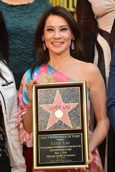 Люси Лью получила звезду на Голливудской Аллее Славы Люси Лью, Ангелы Чарли, Голливуд, Аллея Славы, Звезда, Актриса