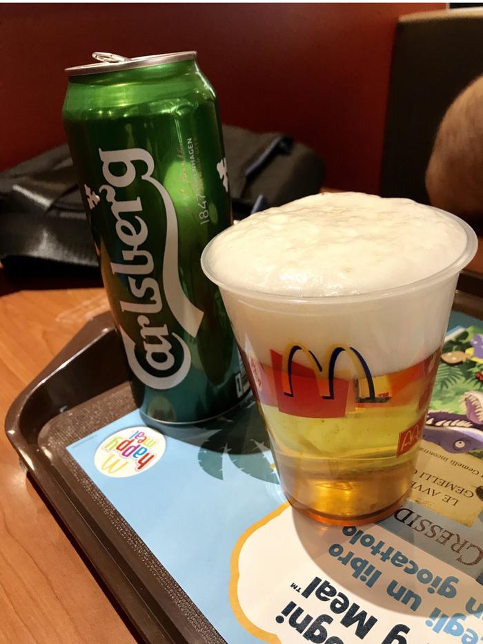 Почему в Европе продают пиво в Макдональдс, а в России нет?
