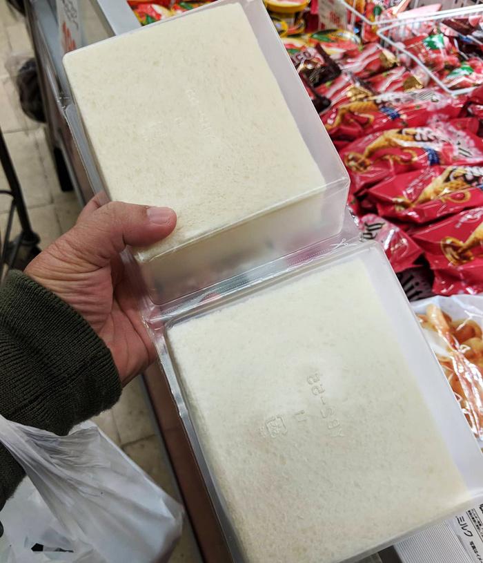 В Японии можно купить хлеб без корки