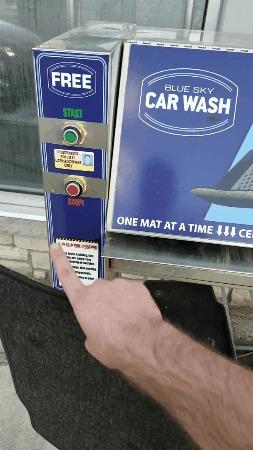 Чистка автомобильных ковриков