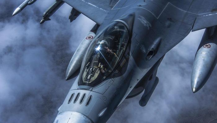 В Калифорнии рухнул истребитель F-16 Новости, США, f-16, Авария, Рухнул, Провал, Fail