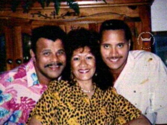 Семейные фотографии Дуэйна Джонсона в разные годы. Дуэйн Джонсон, Фотография, Знаменитости, Семейное фото, Длиннопост