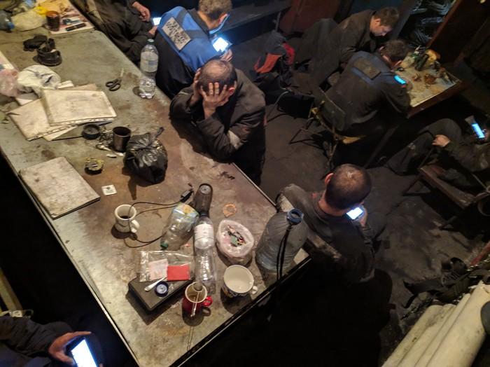 Рабство XXI  века Фотография, Фото на тапок, Работа, Рекс, Завод