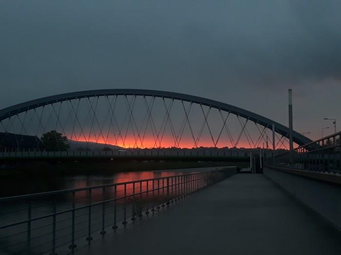 Немного неба работягам Небо, Польша, Мобильная фотография, Фотография, Закат, Облака