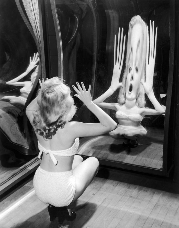 Мэрилин Монро в кривом зеркале, 1950