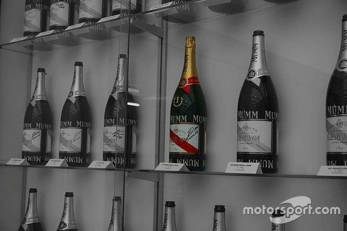 Как BMW и Sauber переругались из-за бутылки после первой победы Кубицы Формула 1, Гонки, Авто, Автоспорт, Интересное, Легенда, История, Шампанское
