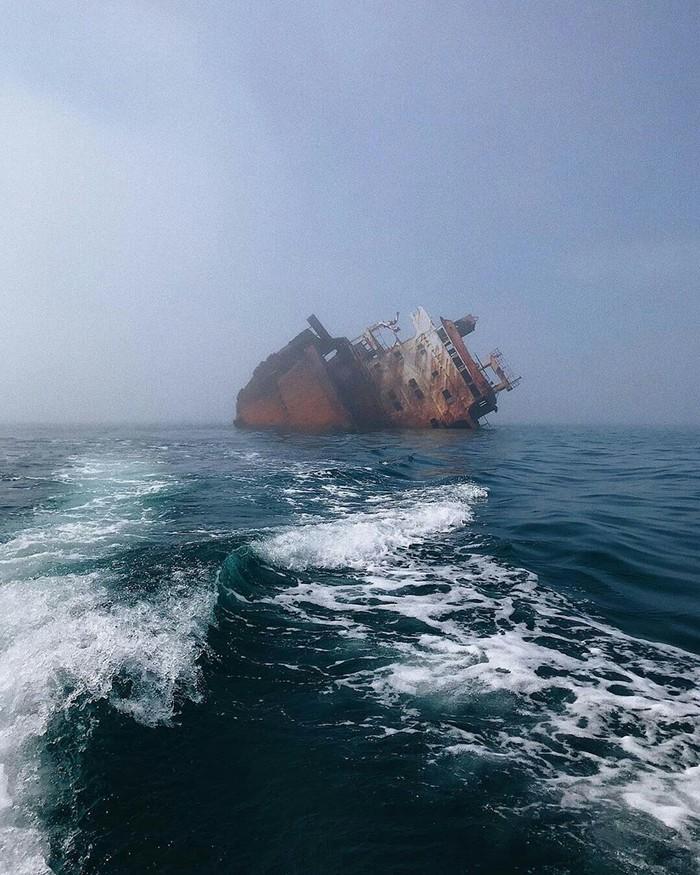 Корабль-призрак в чёрном море