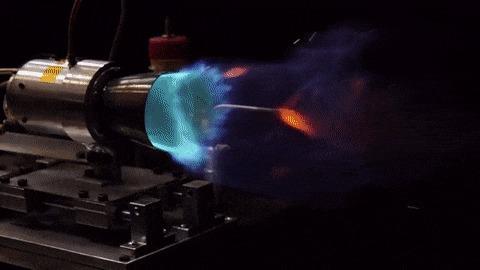 Пример горения топлива в реактивном сопле.