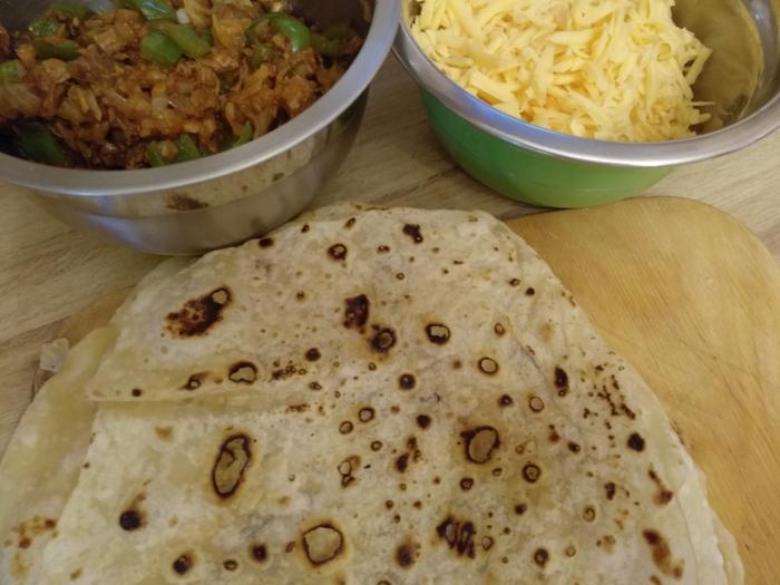 Кесадилья с пикантной говядиной Мексиканская кухня, Кесадилья, Длиннопост, Рецепт, Еда, Кулинария, Готовим дома