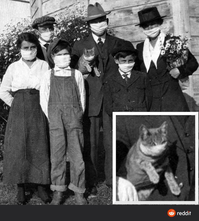 Семейное фото во время испанского гриппа (1918)