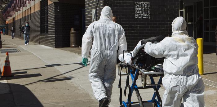 Медиков начали увольнять из-за жалоб на нехватку оборудования
