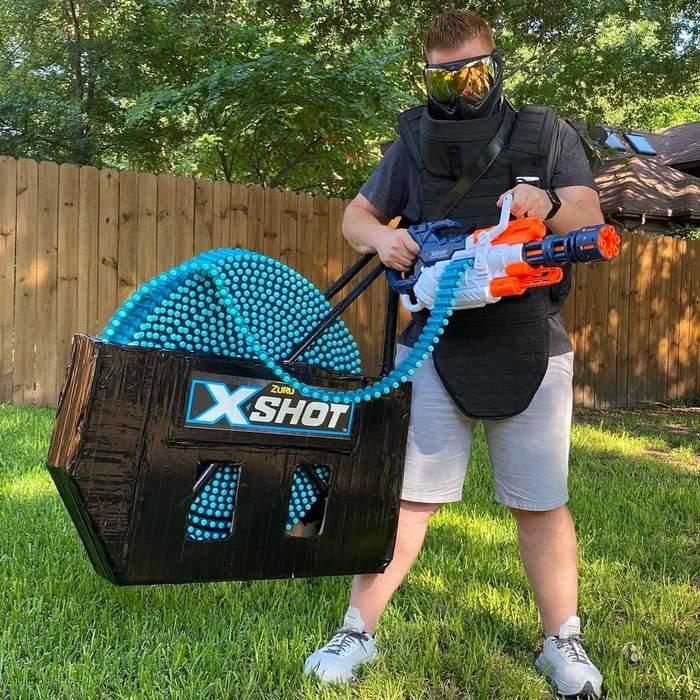 Шестиствольный игрушечный пулеметик для игры в войнушку