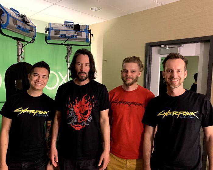 Киану Ривз в студии CD Project RED с разработчиками игры Cyberpunk 2077