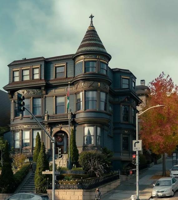 Красивый старинный дом в Сан-Франциско