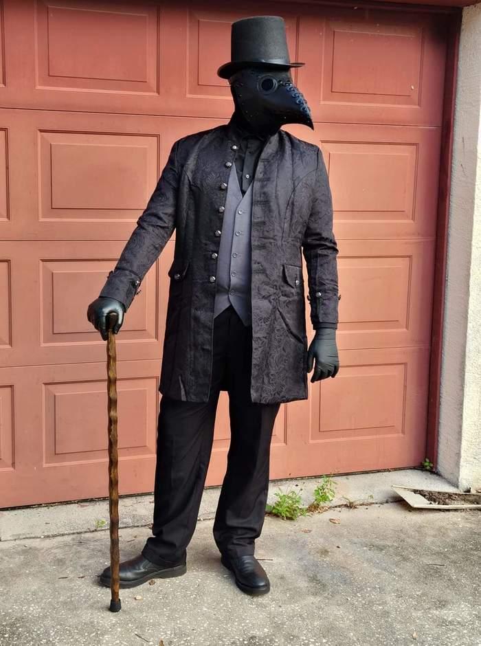 Парадный костюм для светских мероприятий в нынешних условиях