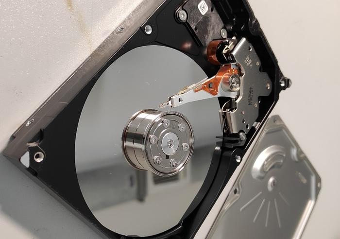 Брелок айтишника из жесткого диска Рукоделие с процессом, Эпоксидная смола, Жесткий Диск, Брелок, Своими руками, Длиннопост