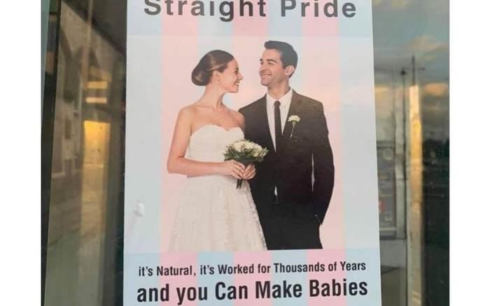Плакаты «гетеро гордость» вызвали гнев среди ирландских ЛГБТ-сообществ Ирландия, Гетеросексуалы, ЛГБТ, Сожжение флага, Толерантность