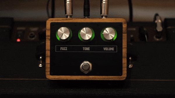 Самодельный гитарный фузз в деревянном корпусе Гитара, Гитарист, Своими руками, Рукоделие, Рукоделие с процессом, ЧПУ, Гитарная педаль, Гифка, Видео, Длиннопост