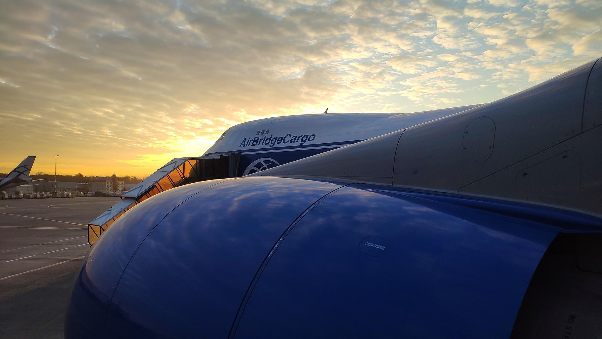 Обои вид, двигатели, Самолёт, сзади, чёрный. Авиация foto 11
