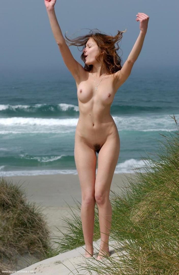 Море солнце и сиськи